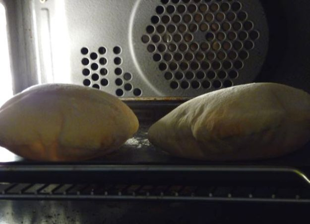 Pitta rising in the oven