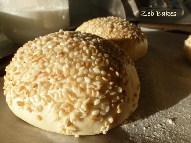 Brotchen with sesame seeds
