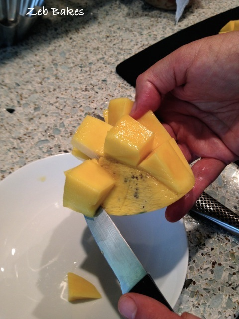 cuttingoffcubesmango
